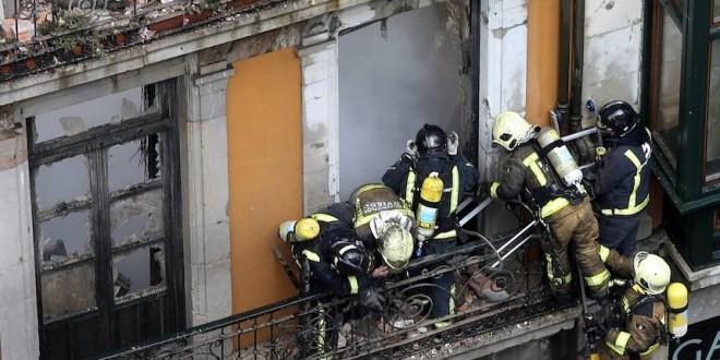 derrumbe bomberos oviedo